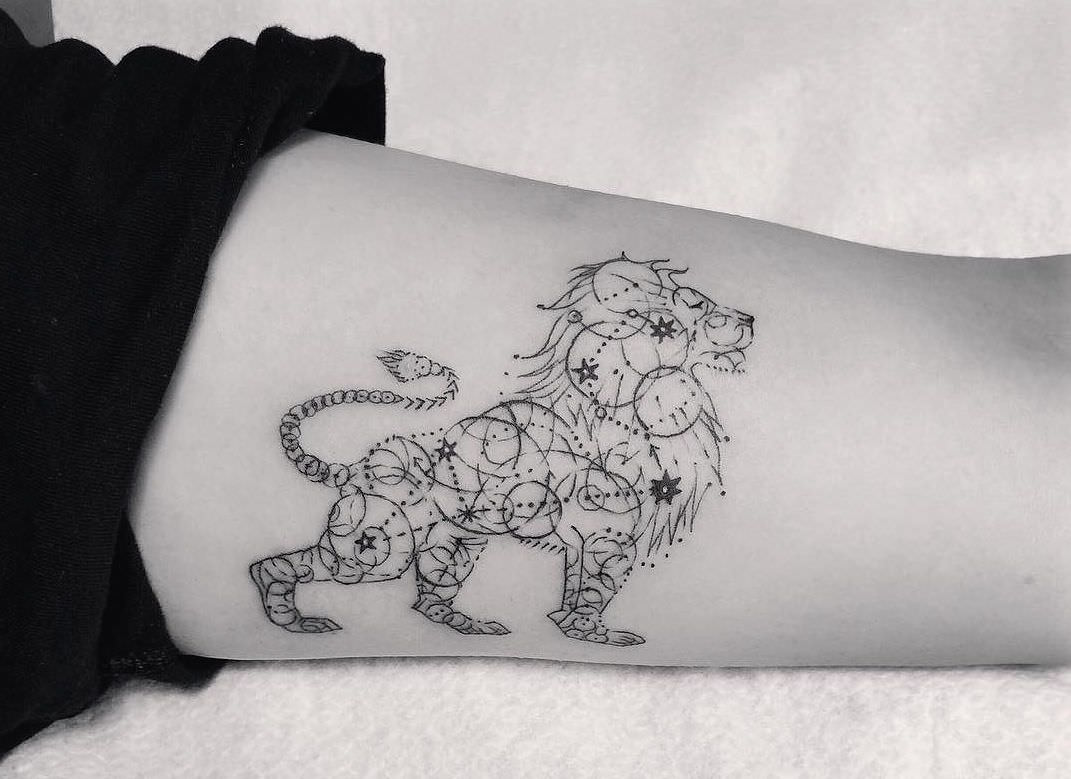 101 lion lioness tattoo ideas designs authoritytattoo geometric dotwork tattoos are extremely popular at the moment and looking at the above image you can see why this geo lion looks extraordinarily beautiful buycottarizona Gallery