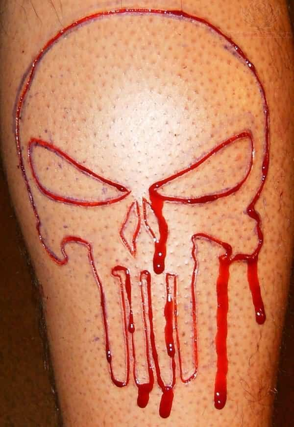 can you get a tattoo while taking blood thinners or