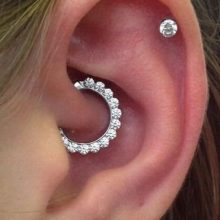 Daith Piercings: Guide & Images