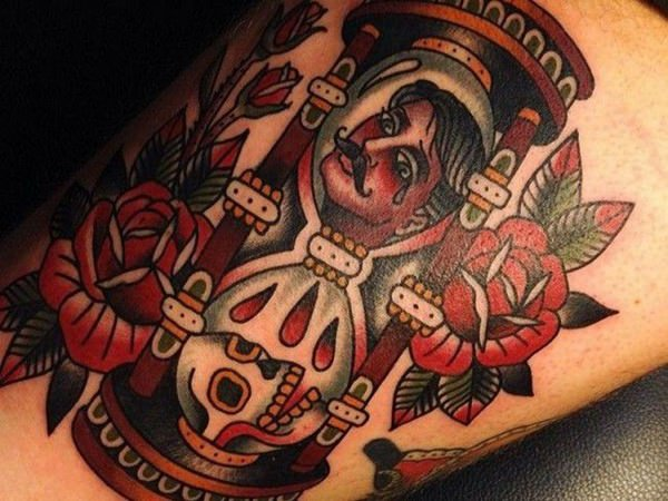 85 Mind-Blowing Hourglass Tattoos And Their Meaning