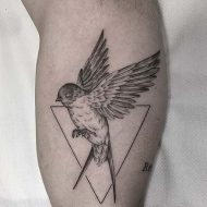 105 Mind-Blowing Swallow Tattoos And Their Meaning